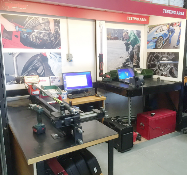 Torque wrench testing station